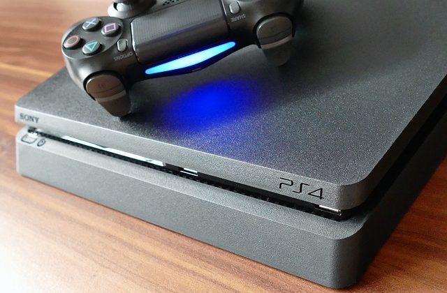 Dlaczego moje PlayStation 4 jest nad wyraz hałaśliwe?